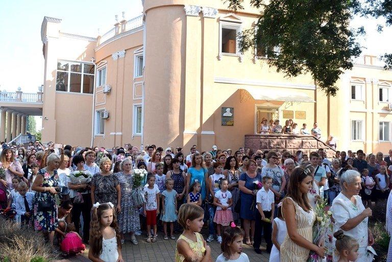 Сегодня в Черноморске открыли памятник Льву Нагаеву, фото-12