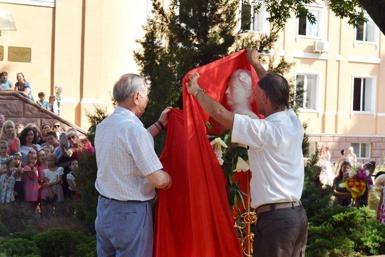 Сегодня в Черноморске открыли памятник Льву Нагаеву, фото-5