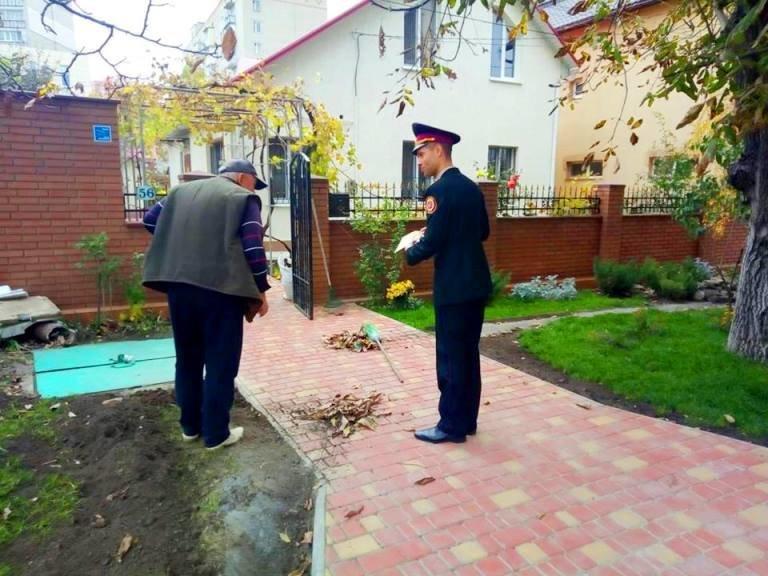 Черноморские спасатели проводят рейды против сжигания опавших листьев, фото-3