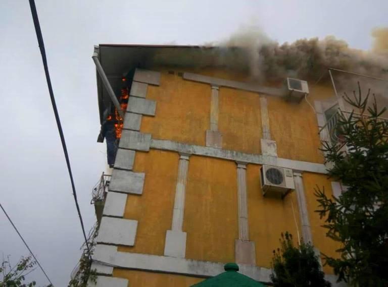 В Черноморске горел жилой дом, фото-2