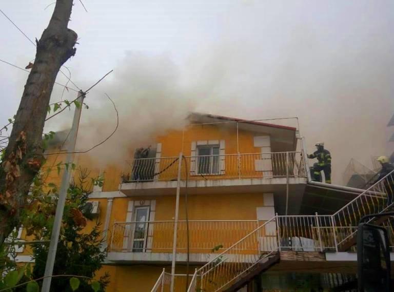 В Черноморске горел жилой дом, фото-3