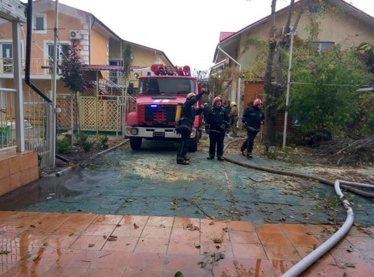 В Черноморске горел жилой дом, фото-4