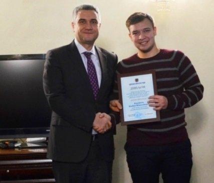 Двум молодым черноморцам вручена Премия областного совета, фото-1