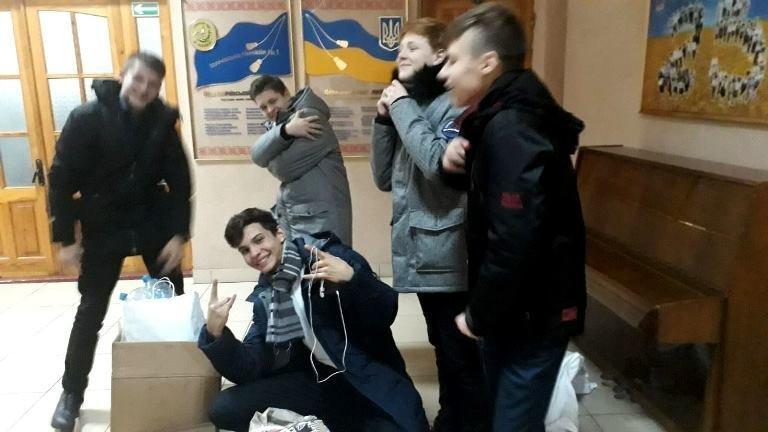 «День добрых дел»: в гимназии Черноморска стартовал благотворительный марафон «Щедрий вівторок», фото-11
