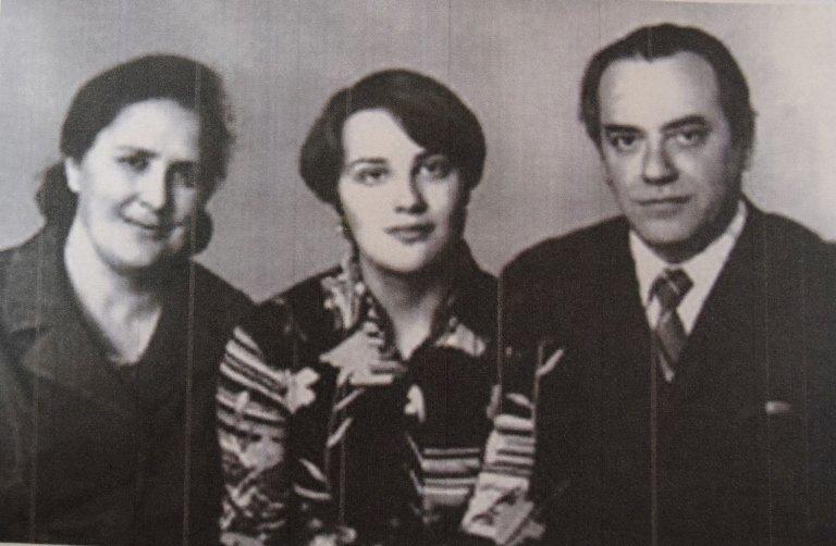 Мемориальные доски Черноморска: Марина Хлебникова, фото-2