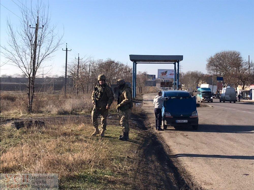 На въездах в Одессу появились военные с пулеметами и минометами , фото-3
