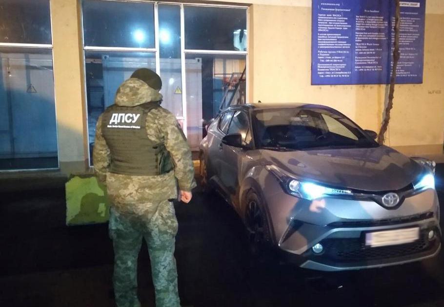 В Черноморском порту задержали угнанную во Львове дорогую иномарку , фото-1