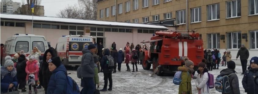 ЧП в Черноморске: четверо школьников доставлены в больницу с отравлением газом , фото-1
