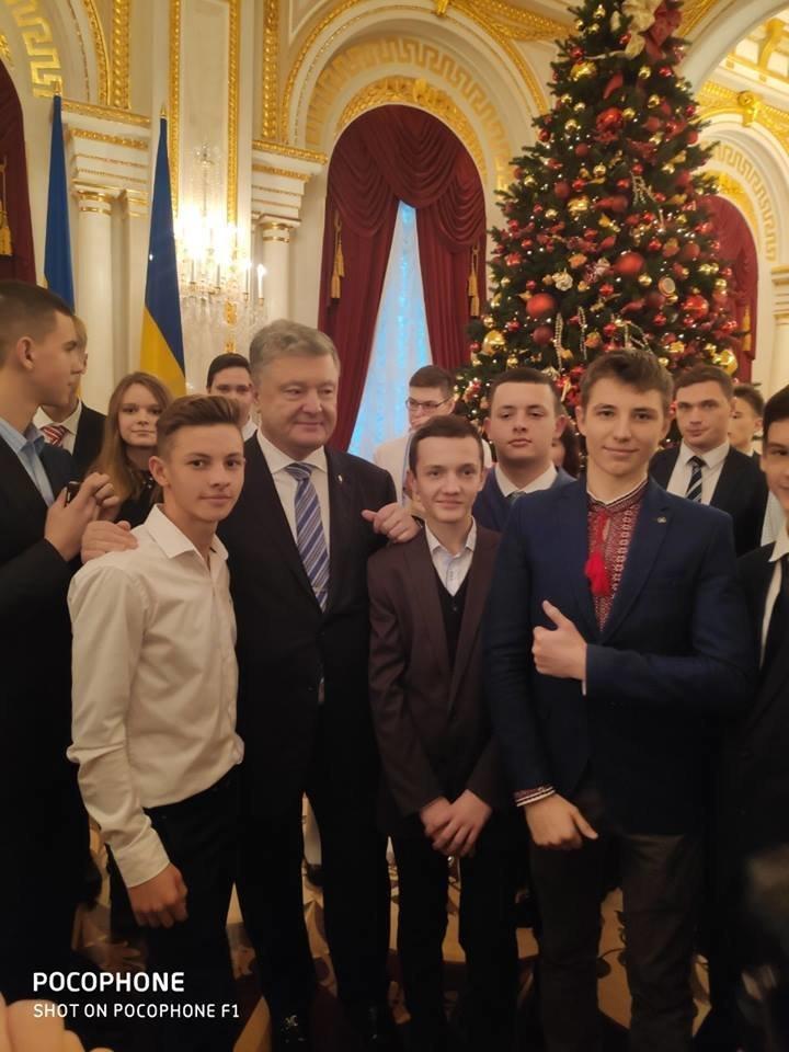 Талантливые дети Черноморска отметили День Святого Николая на президентской ёлке в Киеве, фото-6