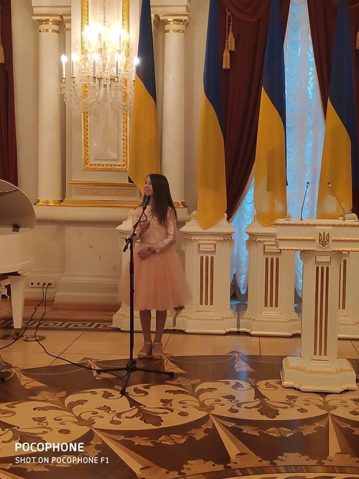Талантливые дети Черноморска отметили День Святого Николая на президентской ёлке в Киеве, фото-3