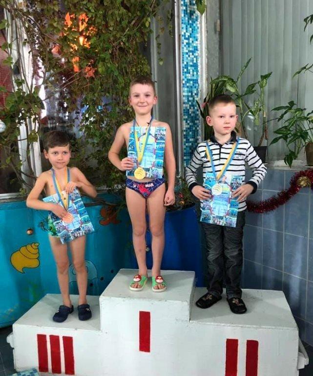 Накануне закрытия Дворца спорта «Юность» в Черноморске прошли новогодние старты, фото-2