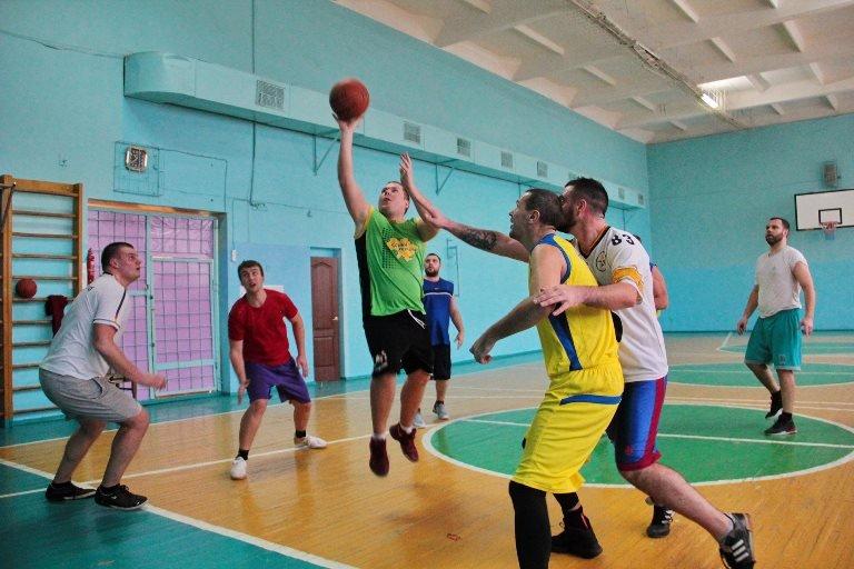 В Черноморске прошёл турнир по баскетболу, посвящённый памяти первого директора школы № 7 Фёдора Фёдоровича Цуркана, фото-4