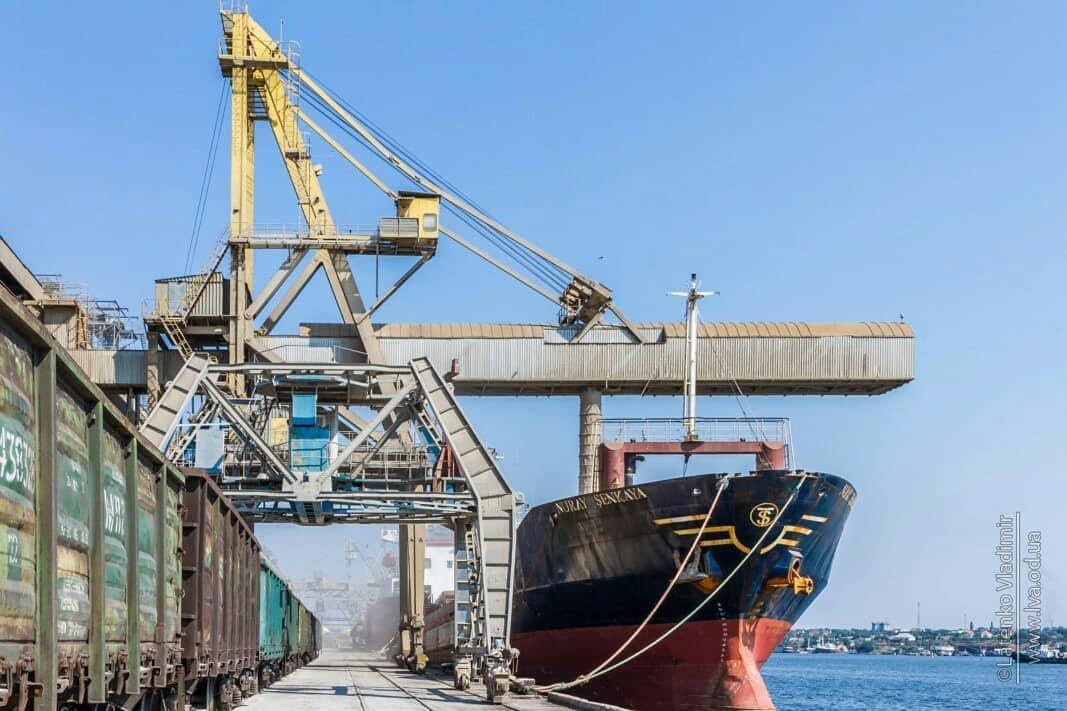 Черноморская компания «Трансбалктерминал» установила собственный исторический рекорд по грузообороту, фото-1