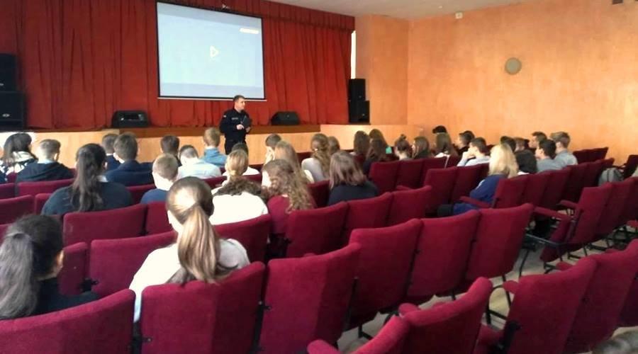 Спасатели Черноморска рассказали старшеклассникам о своей профессии, фото-3
