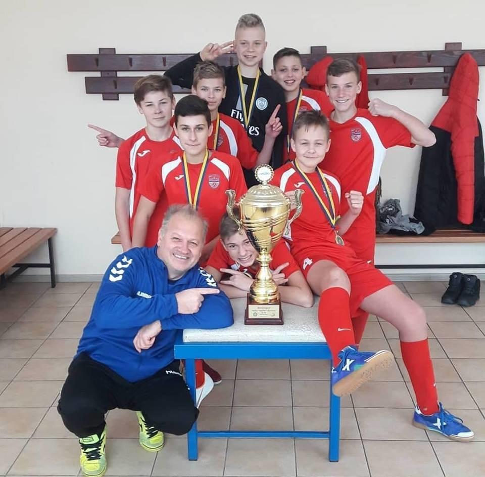 Черноморские футболисты привезли два кубка с Чемпионата Украины, фото-2
