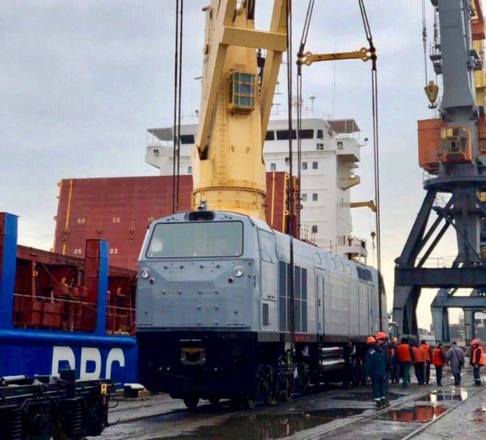 Черноморский порт  принял последнюю партию американских локомотивов, фото-1