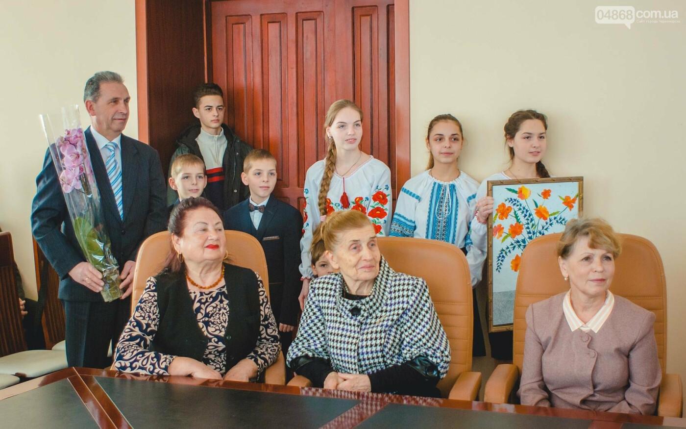 В Черноморске начался прием документов для участия в конкурсе «Женщина года», фото-3
