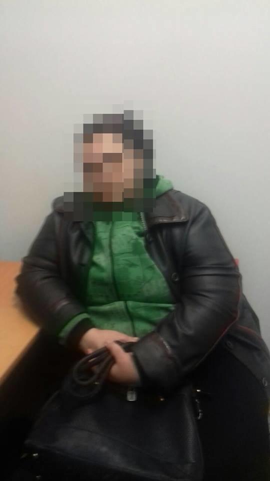 В Черноморске из «Таврии В» пытались похитить товары на сумму 4 тысячи гривен, фото-1