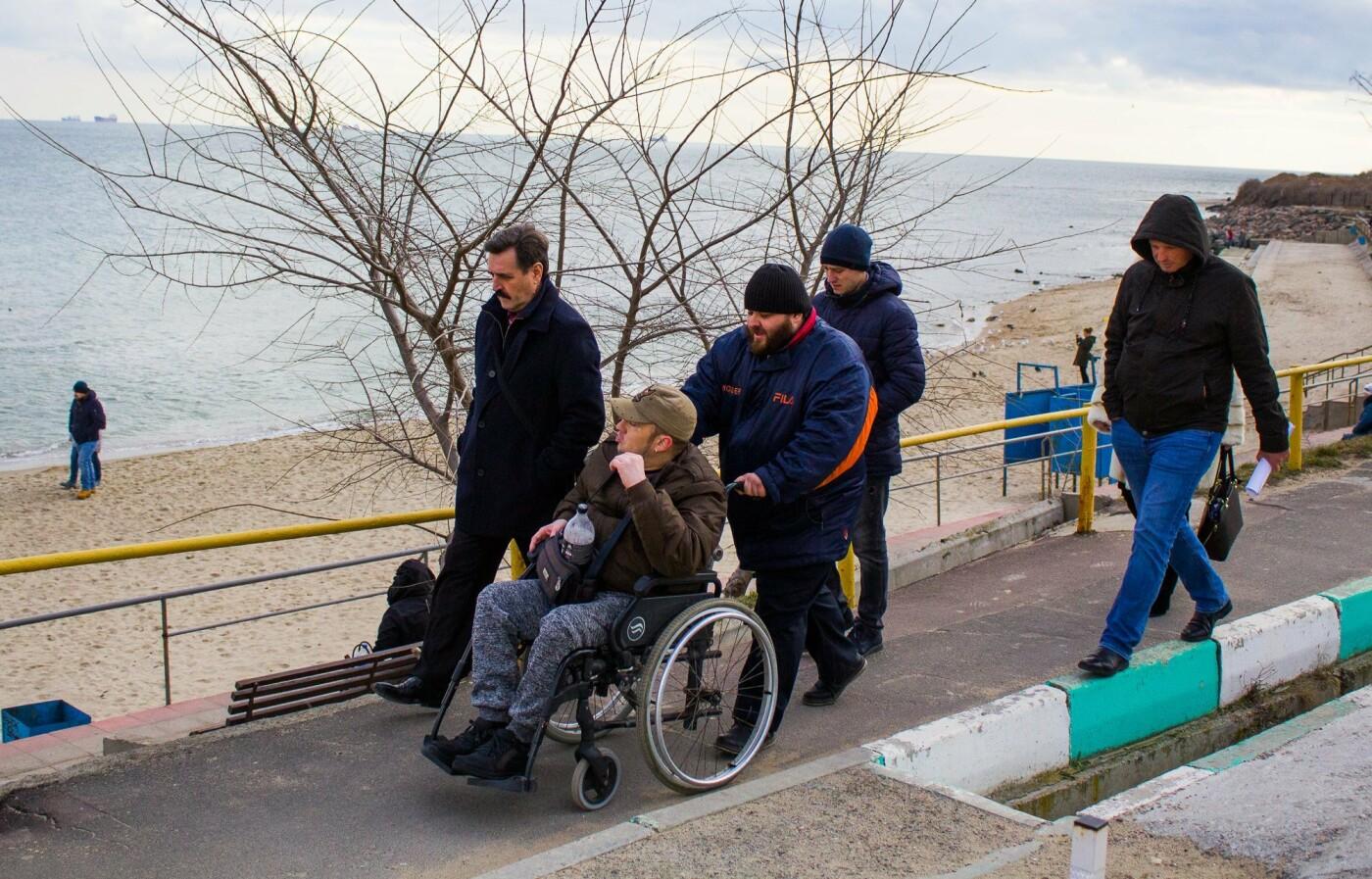 Безбарьерный пляж. Руководство КП «ГУЖКХ» и директор пляжа встретились с автором петиции, фото-1