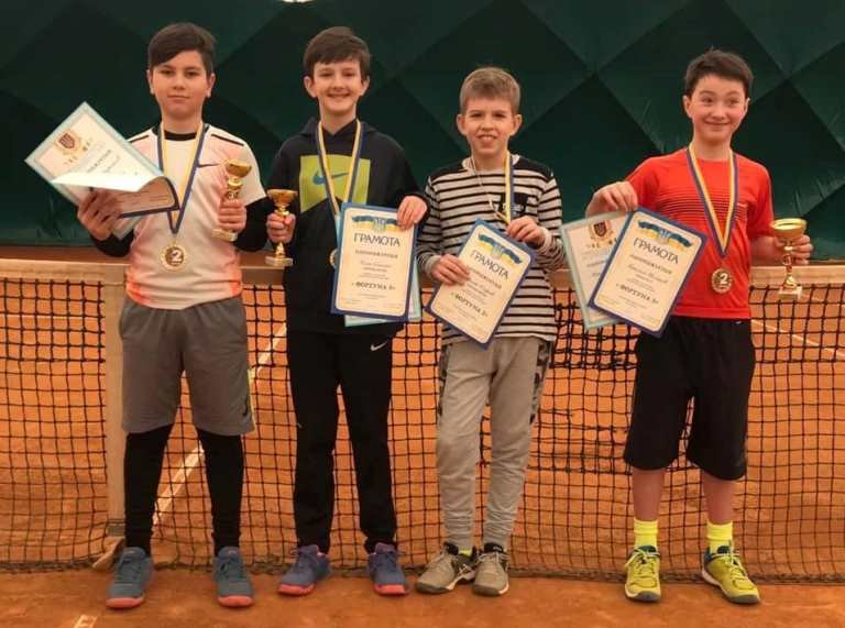 Юные черноморские теннисисты  покоряют спортивные пьедесталы Украины, фото-1
