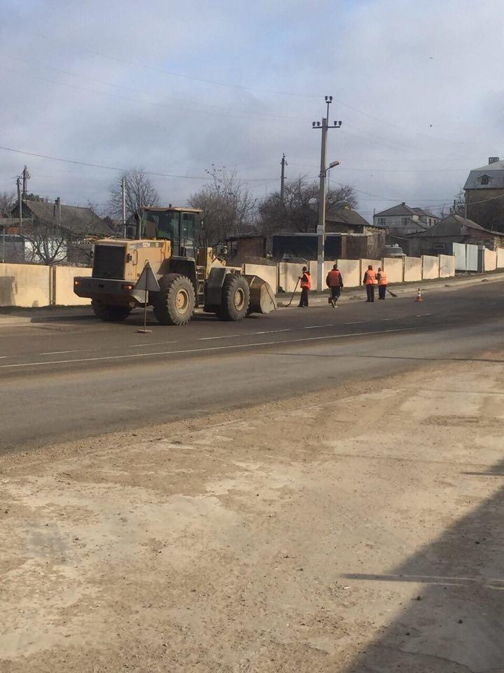 Под Черноморском приводят дороги в порядок, фото-1