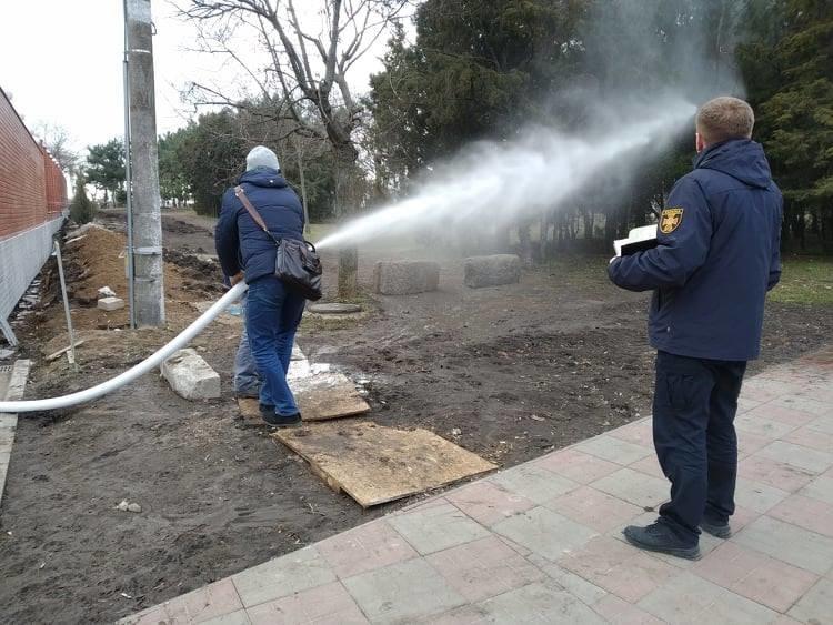 Спасатели провели проверку одного из отельно-ресторанных комплексов Черноморска, фото-1