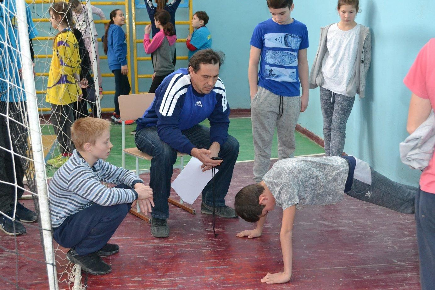 В Черноморске более 100 гребцов на байдарках и каноэ соревновались за победу в физподготовке, фото-3