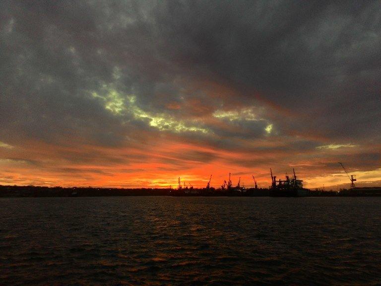 Закат накануне весны: жители Черноморска поделились завораживающими фотографиями, фото-2
