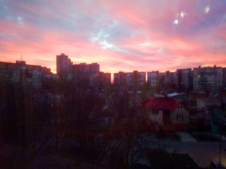 Закат накануне весны: жители Черноморска поделились завораживающими фотографиями, фото-27