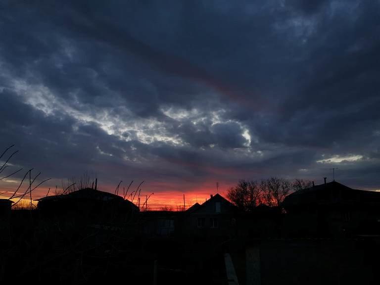 Закат накануне весны: жители Черноморска поделились завораживающими фотографиями, фото-12