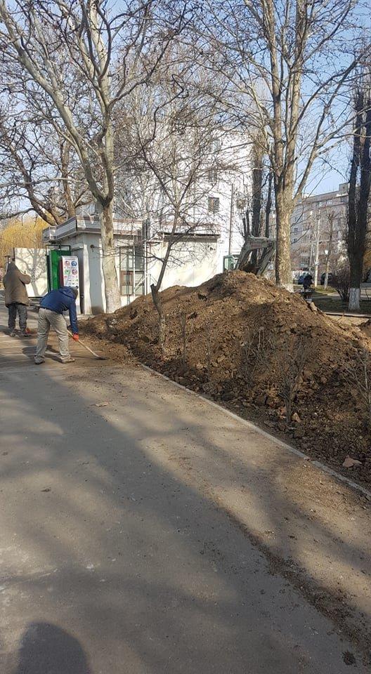 В Черноморске производят замену ливневого коллектора, фото-4