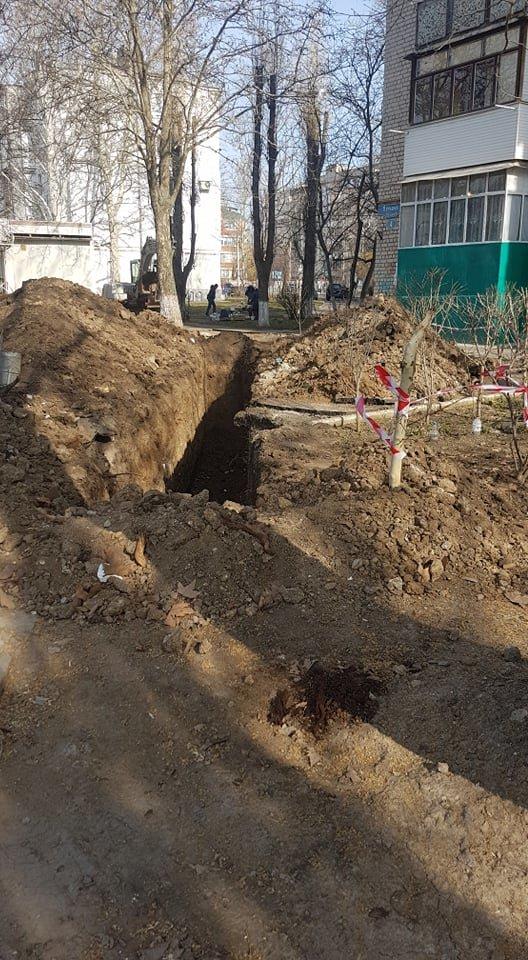 В Черноморске производят замену ливневого коллектора, фото-6