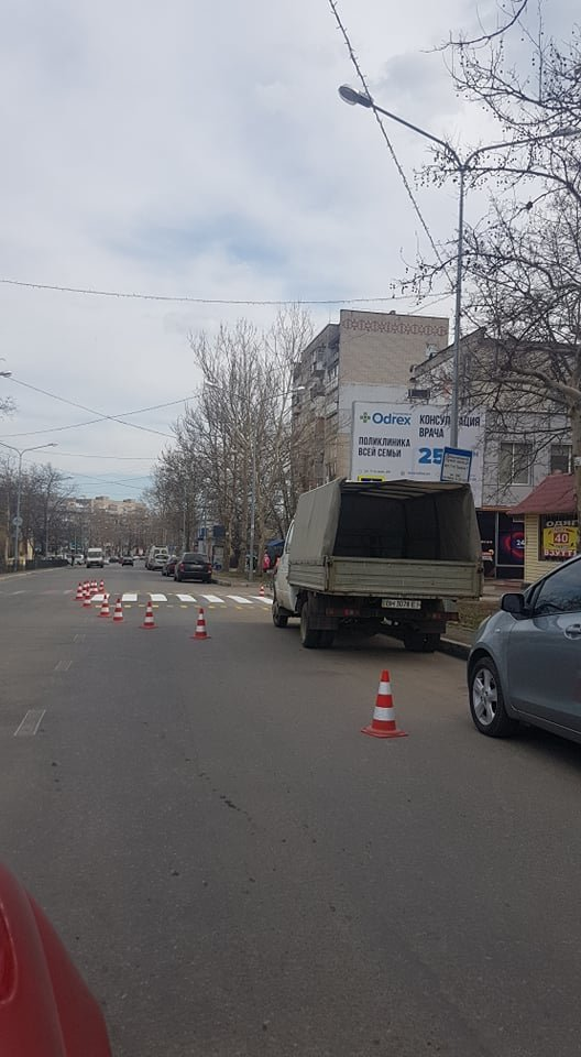 На дороге Черноморска оживляют многострадальную «зебру», фото-6