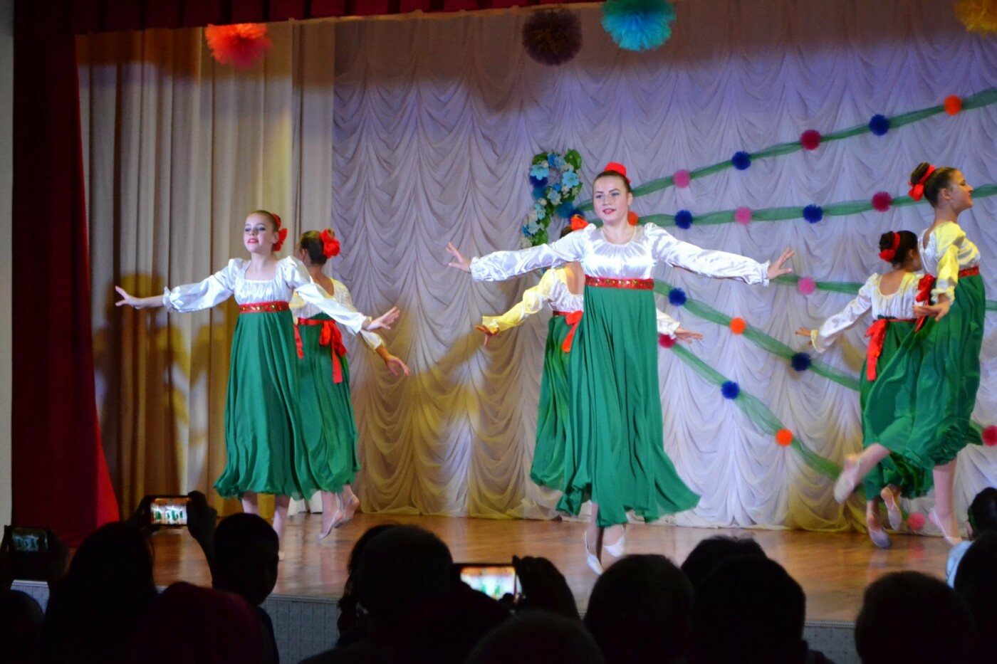 В селе Малодолинское поздравили женщин с 8 Марта, фото-3