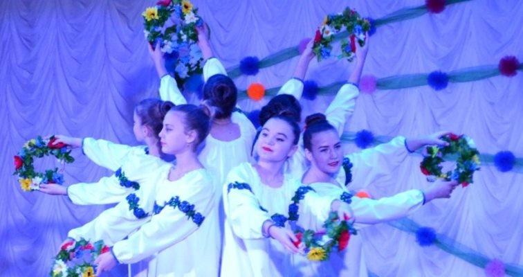 В селе Малодолинское поздравили женщин с 8 Марта, фото-1