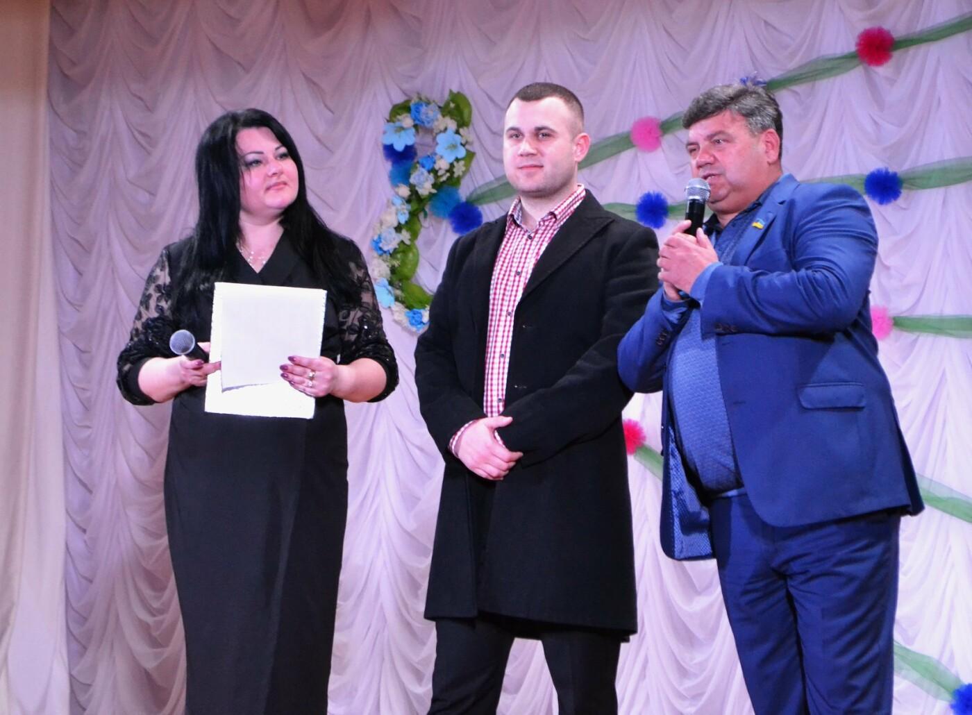 В селе Малодолинское поздравили женщин с 8 Марта, фото-8