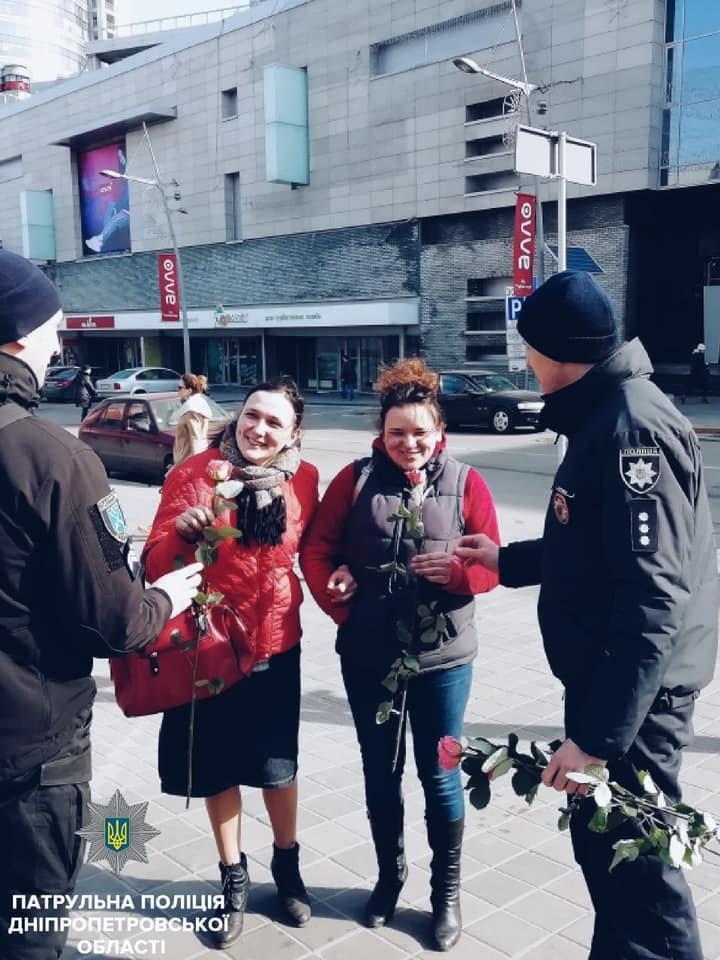 Женские марши, авторалли и праздничный общественный транспорт: Как Украина отпраздновала 8 Марта, фото-3