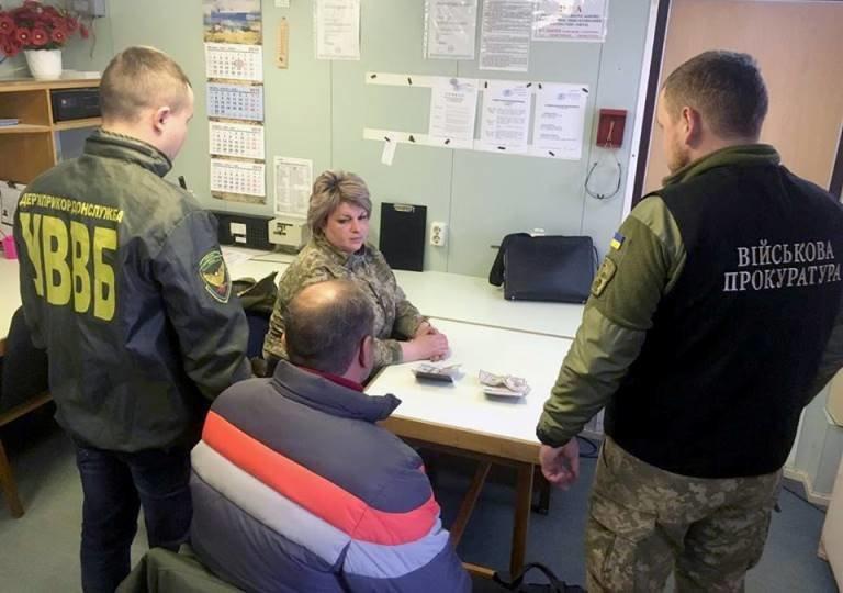 В пункте пропуска «Черноморский морской порт» граждане Грузии пытались дать взятку пограничникам , фото-1