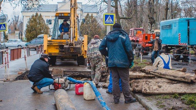 В Черноморске поздравили с профессиональным праздником сотрудников коммунальных предприятий, фото-6