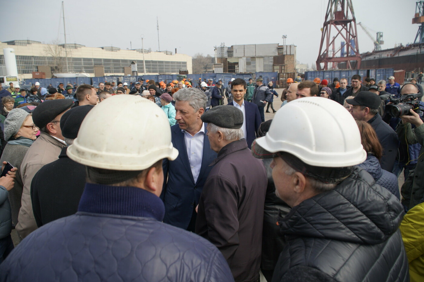 Кандидат в Президенты Украины от оппозиционных сил Юрий Бойко встретился с жителями Черноморска, фото-10