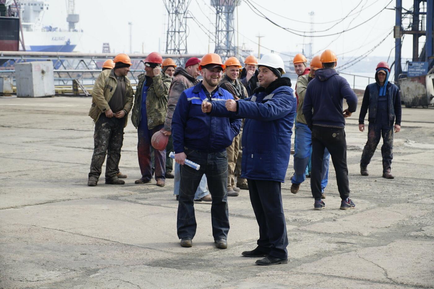 Кандидат в Президенты Украины от оппозиционных сил Юрий Бойко встретился с жителями Черноморска, фото-7