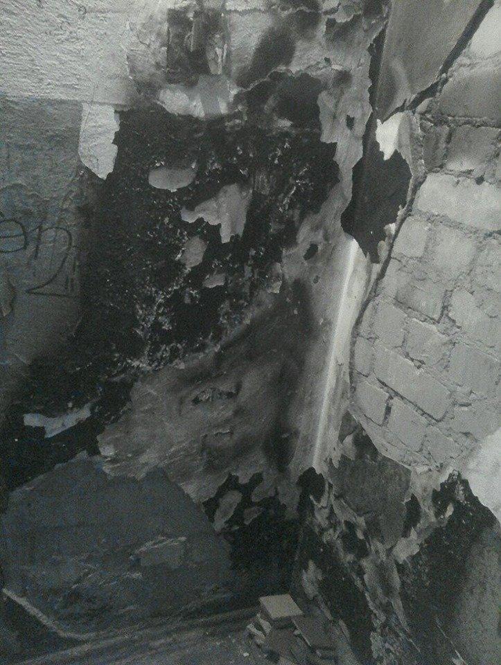 Почему в Черноморске затягивают ремонт сгоревшего подъезда?, фото-1