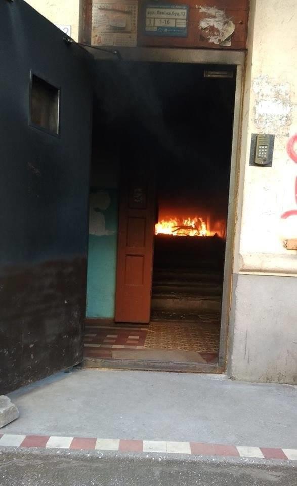 Почему в Черноморске затягивают ремонт сгоревшего подъезда?, фото-4