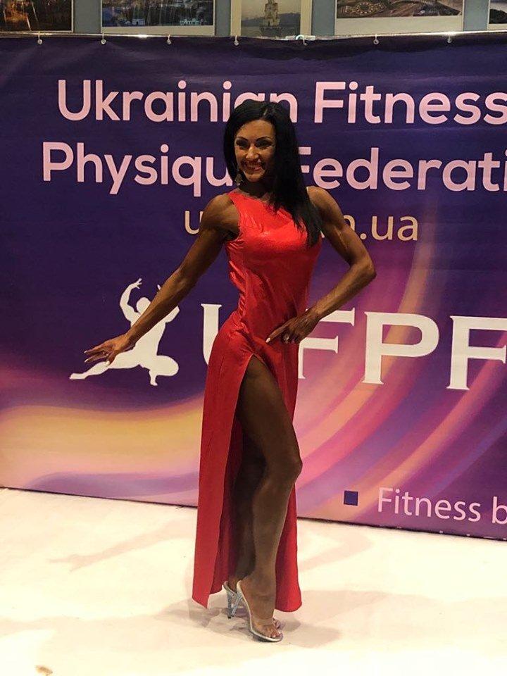 Алина Килиянова привезла в Черноморск кубки Чемпионата Евразии по бодибилдингу, фото-2