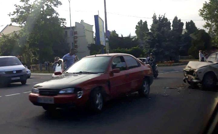 В Черноморске Жигули и Форд не поделили дорогу, фото-2