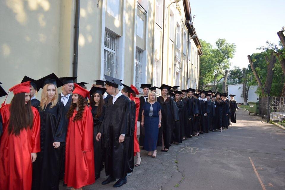 В школах Черноморска прозвенел последний звонок (ВИДЕО), фото-10
