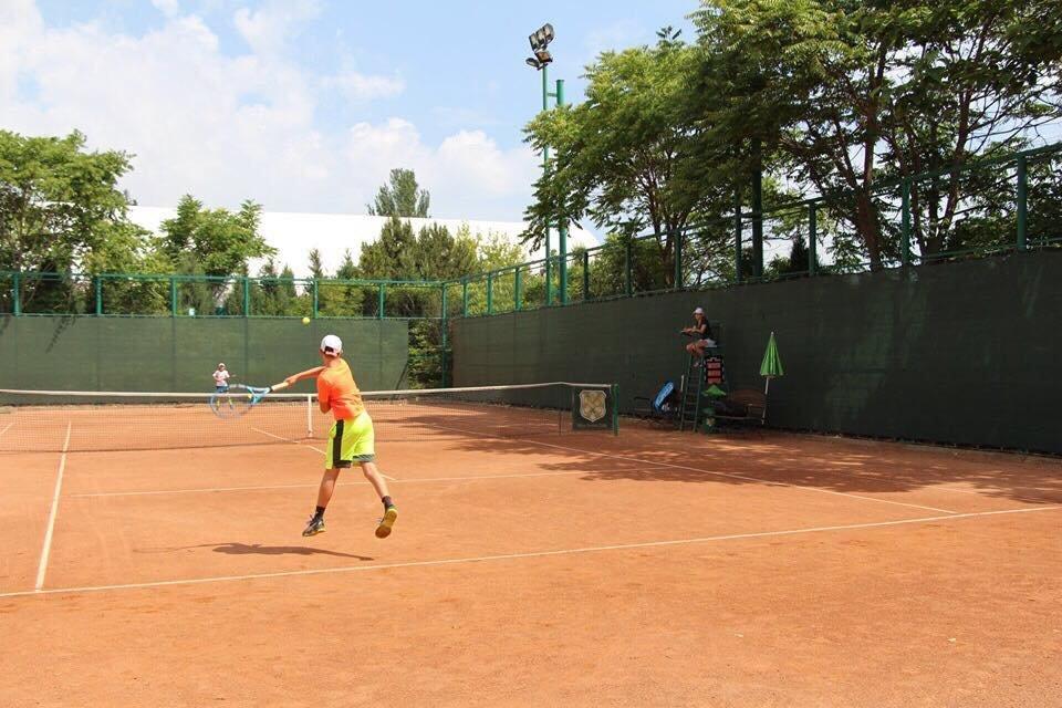 В черноморском «Elite Tennis Club» прошел всеукраинский турнир, фото-1