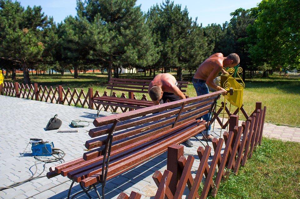 В Черноморске обновили детскую площадку, фото-2