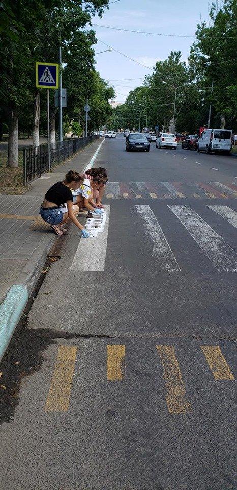 Стоп, пешеход! В Черноморске напоминают, что нужно останавливаться перед пешеходным переходом, фото-3