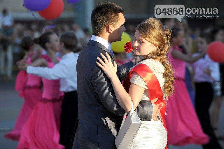 В Черноморске пройдёт онлайн трансляция шествия выпускников, фото-3